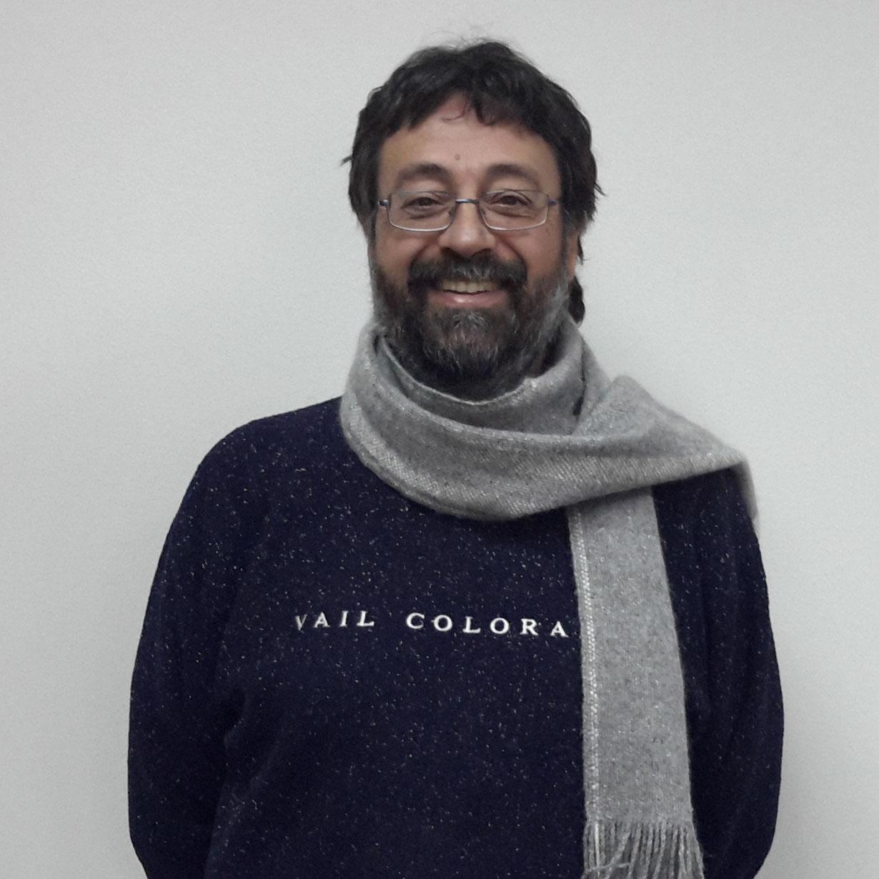 Dr. Julio López : Académico del Departamento de Ingeniería Matemática